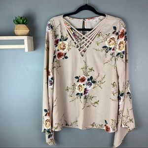 Entro floral cream cut out top size large